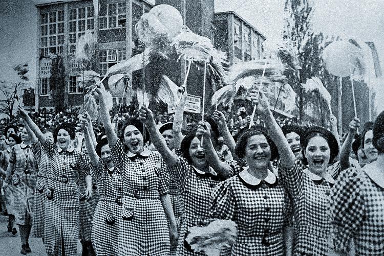 Mladé ženy 1935