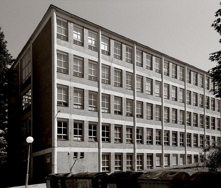standardní školní budova druhé poloviny třicátých let