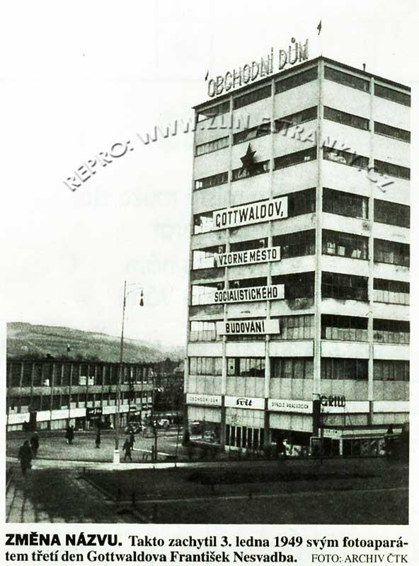 Zlín - nám. Práce - Obchodní domy I. a II. (1949)