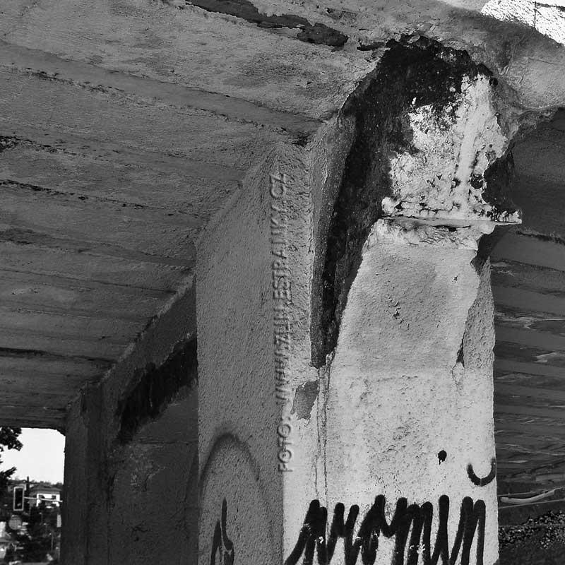 Dlouhá ulice - železniční nadjezd - detaily nosné konstrukce po 80ti letech 4