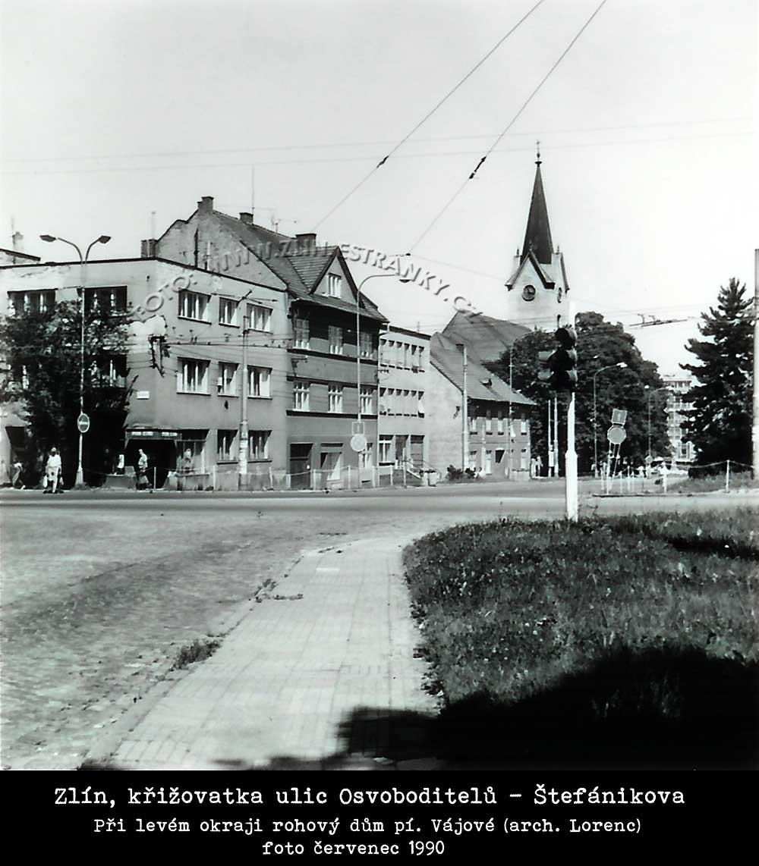 Arch. Mir. Lorenc - dům paní Vajové na křižovatce Štefánikova-Osvoboditelů v červenci 1990